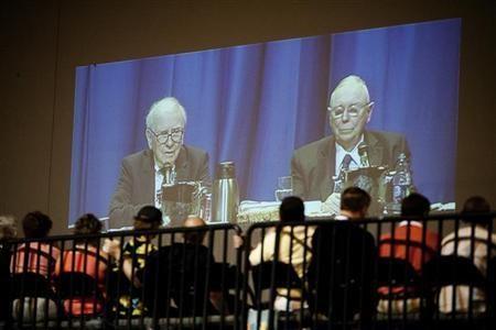 Warren Buffett y Charlie Munger ante inversores