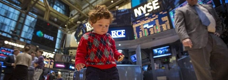 niño invirtiendo en Bolsa