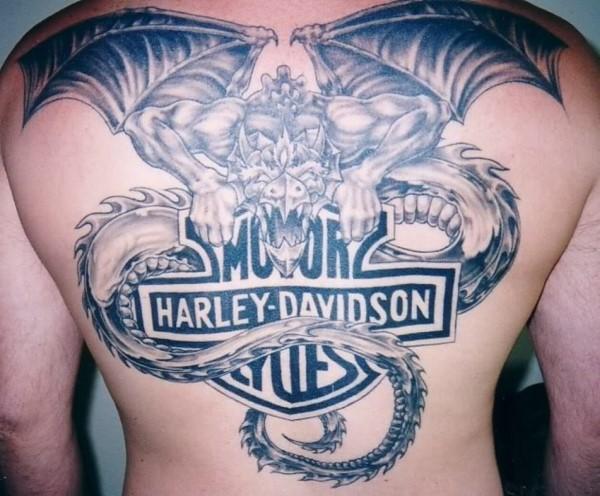 tatuaje cliente harley davidson y cliente